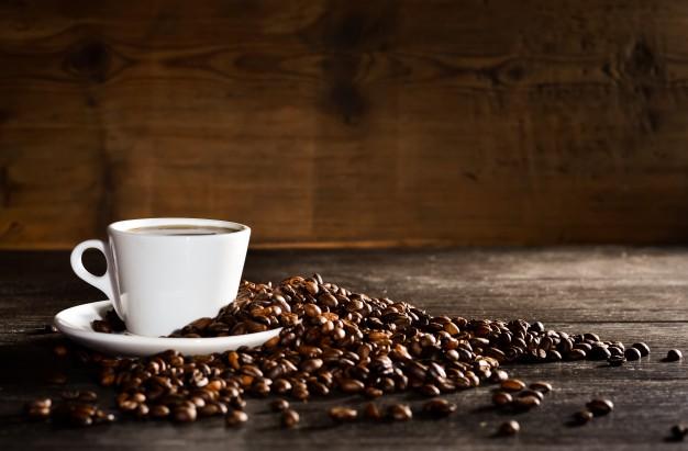 El consumo de bebidas con cafeína como el café y el té perjudica la salud renal